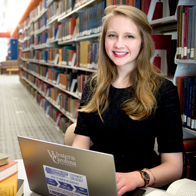Anna Oates will intern at the Library of Congress.
