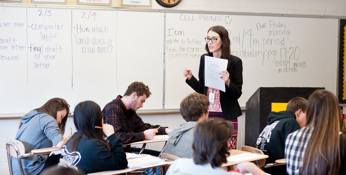 Student teacher teaching a high school english class