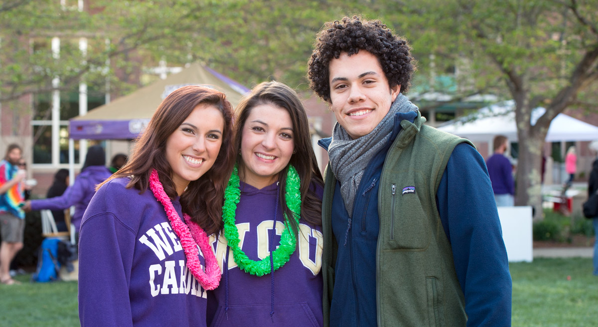 Students in WCU sweatshirts
