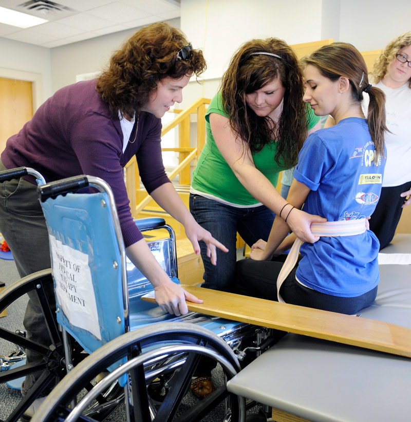 Students in inclusive education physical therapy class
